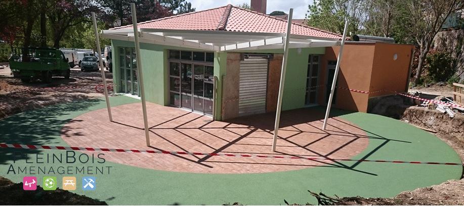 realisation d un sol souple de confort sur la terrasse d une creche plein bois am nagement. Black Bedroom Furniture Sets. Home Design Ideas