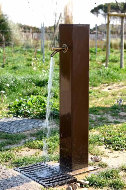 Fontaine à eau extérieure en acier corten